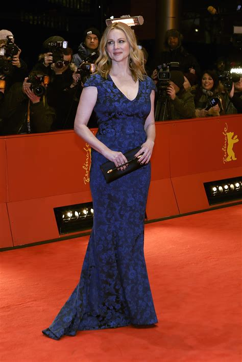 Laura Linney Age, Height, Husband, Net Worth, Son, Family