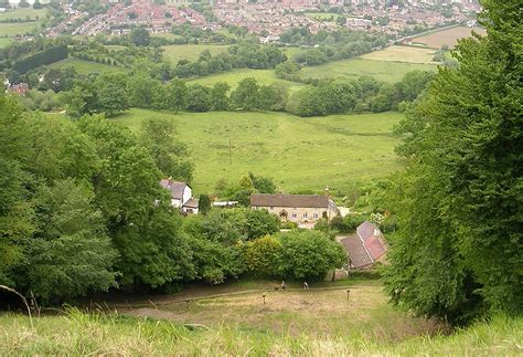 Cooper's Hill Cheese-Rolling and Wake - Wikipedia