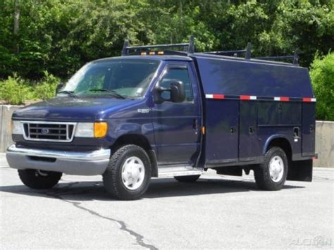 Purchase used 04 Ford E-350 E350 Cutaway Van Enclosed