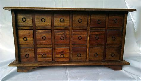 Chest of drawers colonial style, 1980s - Catawiki