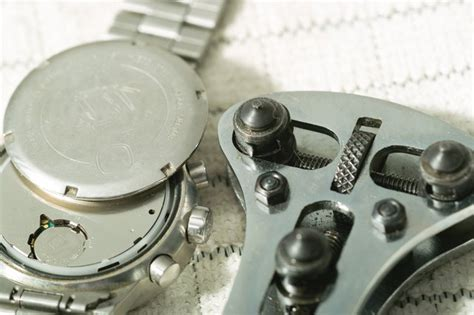 How to Open a Watch Back (with Pictures) | eHow