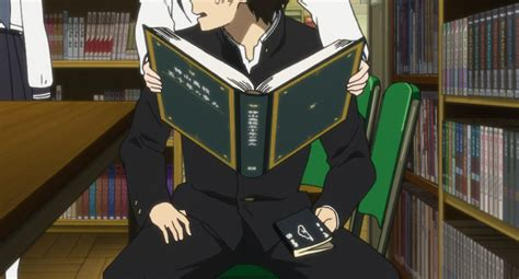 What book is Houtarou reading in episode 2 of Hyouka