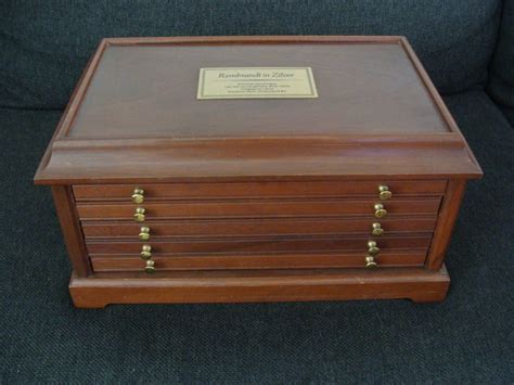Accessories - Wooden coin cabinet with drawers 'Rembrandt