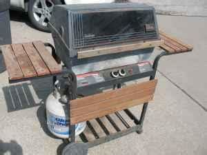 Sunbeam Gas Grill with Tank - (Benson) for Sale in Omaha
