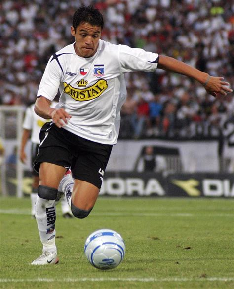 Top Football Players: Alexis Sanchez Football Profile and