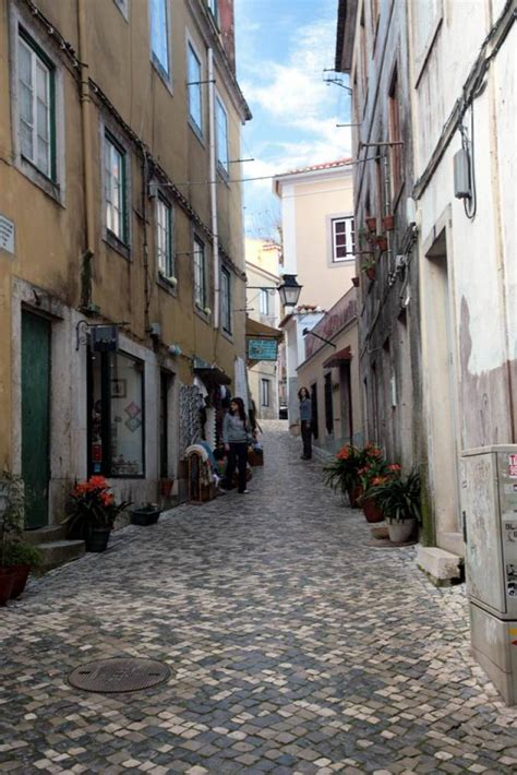 Street in Sintra's Old Town | Portugal Travel Guide Photos