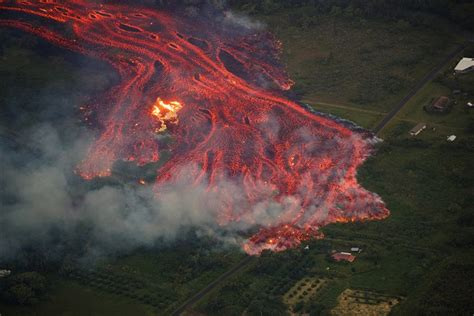 Hawaii volcano: Dramatic images capture lava exploding as